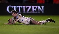Exeter Chiefs' Ian Whitten scores his side's third try<br /> <br /> Photographer Bob Bradford/CameraSport<br /> <br /> Gallagher Premiership Round 9 - Harlequins v Exeter Chiefs - Friday 30th November 2018 - Twickenham Stoop - London<br /> <br /> World Copyright &copy; 2018 CameraSport. All rights reserved. 43 Linden Ave. Countesthorpe. Leicester. England. LE8 5PG - Tel: +44 (0) 116 277 4147 - admin@camerasport.com - www.camerasport.com