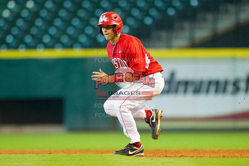 Landon Appling #1 of the Houston Cougars takes off for second base against the Kentucky Wildcats at Minute Maid Park on March 5, 2011 in Houston, Texas.  Photo by Brian Westerholt / Four Seam Images