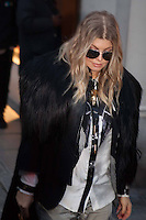 PAP0213POS431.FERGIE AT THE GARETH PUGH FASHION SHOW ©/NortePhoto