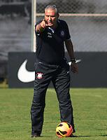 SÃO PAULO,SP, 06 julho 2013 -  Tite  durante treino do Corinthians no CT Joaquim Grava na zona leste de Sao Paulo, onde o time se prepara  para para enfrenta o Bahia pelo campeonato brasileiro . FOTO ALAN MORICI - BRAZIL FOTO PRESS