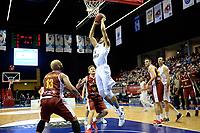 GRONINGEN - Donar - KK Bosna, Martiniplaza, Europe Cup, seizoen 2017-2018, 15-11-2017,  Donar speler Stephen Domingo mist vrij onder de basket