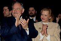 FILE -<br /> Jacques Parizeau<br /> et Lisette Lapointe, le 17 janvier 1996<br /> <br /> PHOTO  : Pierre Roussel - Agence Quebec Presse