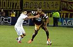 Sin convencer del todo, el Tolima ganó y subió en la tabla. En el juego más atractivo de la sexta fecha del Torneo Apertura Colombiano 2015, el cual se llevó a cabo en la noche de este miércoles en el estadio Manuel Murillo Toro de Ibagué, los 'pijaos' vencieron 1 – 0 a Millonarios.