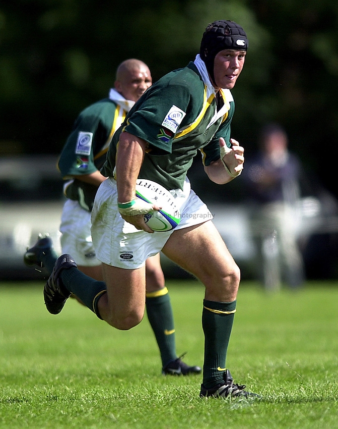 Photo: Richard Lane..South Africa U21 v Ireland U21. IRB Under 21 World Cup at Iffley Road, Oxford..Jacques Cronje attacks.