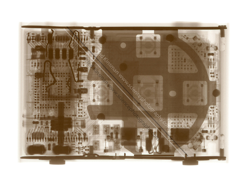 X-Ray of an Apple Ipod shuffle music player.