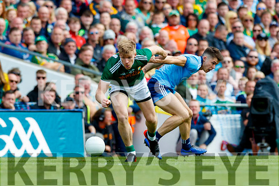 Tommy Walsh, Kerry in action against David Byrne, Dublin during the GAA Football All-Ireland Senior Championship Final match between Kerry and Dublin at Croke Park in Dublin on Sunday.