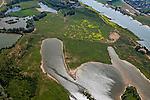 Nederland, Utrecht, Gemeente Rhenen, 08-07-2010; Natuurgebied De Blauwe Kamer aan de Neder-Rijn, vernoemd naar een oude steenfabriek. De oorspronkelijke zomerdijk is doorgestoken om natuurontwikkeling mogelijk te maken. Het rivieroeverlandschap is verbonden met de Grebbeberg (voet van de berg onder in beeld), vormt samen met de Utrechtse Heuvelrug onderdeel van de Ecologische hoofdstructuur. Uiterst links de Grebbedijk, op de landtong in het midden koniks paarden en galloways..The nature reserve Blauwe Kamer (Blue Room) on the Lower Rhine, named after an old brickyard. The original summer dike was punched to facilitate nature development. The river landscape is connected to the Grebbeberg .(foot of the hill at the bottom), part of the Utrecht Ridge, part of the Ecological main structure..luchtfoto (toeslag), aerial photo (additional fee required).foto/photo Siebe Swart.