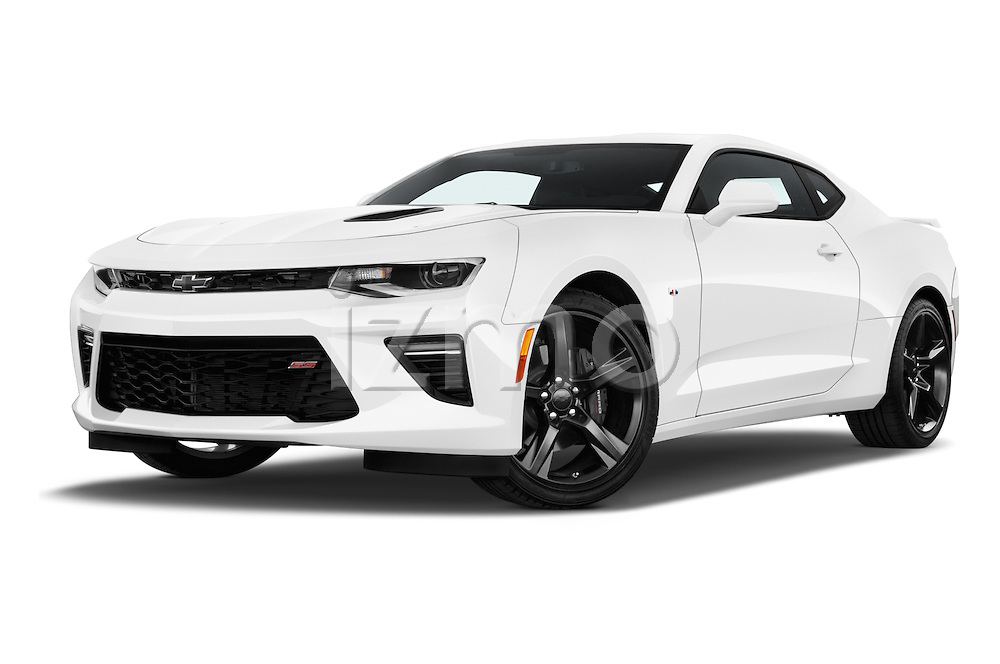 Stock pictures of low aggressive front three quarter view of 2018 Chevrolet Camaro 2SS 2 Door Coupe Low Aggressive