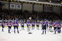 IJSHOCKEY: HEERENVEEN: IJsstadion Thialf, 02-01-2013, Eredivisie, Friesland Flyers - Eaters Geleen, eindstand 3-0, na afloop bloemen voor 'man-of-the-match' Martijn Oosterwijk (#30 | goalie Flyers), ©foto Martin de Jong