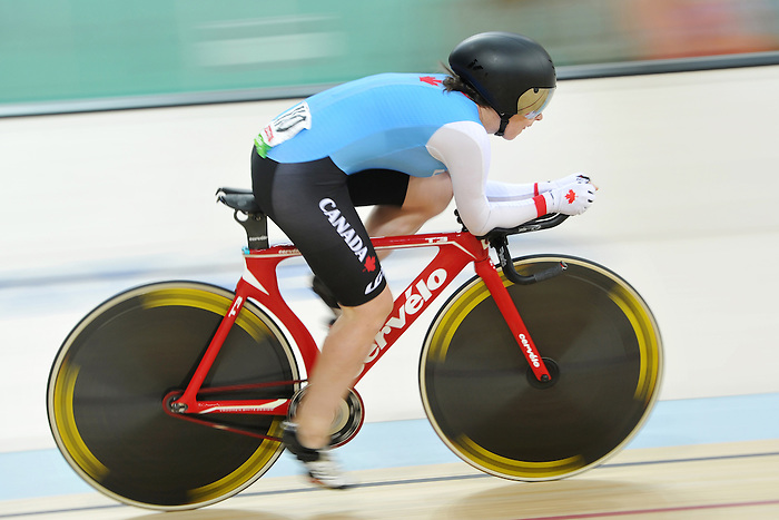 Marie-Claude Molnar compete in the Para-Cycling qualification 3000m individual Pursuit at the Rio 2016 Paralympic Games (Photo by Jean-Baptiste Benavent/Canadian Paralympic Committee