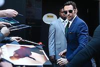 """NEW YORK, NY, 24.02.2016 - HUGH-JACKMAN - Hugh Michael Jackman ator australiano é visto chegando a um programa de televisão para divulgar seu filme """" Logan """" na região da Times Square em Manhattan na cidade de New York nos Estados Unidos nesta sexta-feira, 24. (Foto: Vanessa Carvalho/Brazil Photo Press)"""