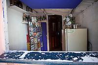 Sao Paulo_SP, Brasil...Favela de Paraisopolis em Sao Paulo. Na foto comercio de DVDs...Paraisopolis community next Morumbi neighborhood in Sao Paulo. In this photo, the commerce...Foto: JOAO MARCOS ROSA / NITRO