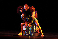 MANIZALES-COLOMBIA. 02-09-2013. Presentación de la obra SED, de la Compañía Nacional de Danza Contemporánea de República Dominicana, en el Centro Cultural y de Convenciones Teatro Fundadores durante el XXXVI Festival Internacional de Teatro de Manizales, Colombia./  Presentation of the work  SED of the company  National Dominican Republic Contemporary Dance at Culture and Convention Center Fundadores Theatre during the XXXVI International Theatre Festival of Manizales, Colombia. Photo: VizzorImage/Yonboni/STR