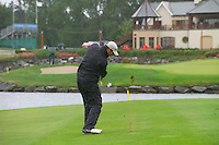Smurfit Kappa European Open, K Club Straffin, Co Kildare..Bradley Dredge plays his ball over the water on the 18th in the 3rd round..Photo: Eoin Clarke/ Newsfile.