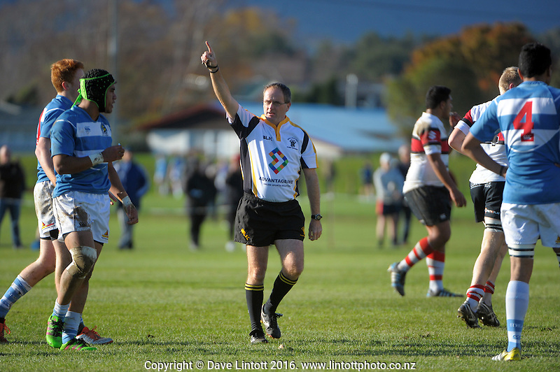 Referee David Walsh awards a penalty duiring the Wellington Weltec Premiership college rugby match between Silverstream and Scots College at Silverstream, Wellington, New Zealand on Saturday, 4 June 2016. Photo: Dave Lintott / lintottphoto.co.nz