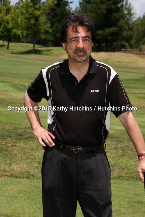 Joe Mantegna..at the 2010 Women In Film Annual Golf Tournament.Malibu Country Club.Malibu, CA.July 10, 2010.©2010 Kathy Hutchins / Hutchins Photo.....
