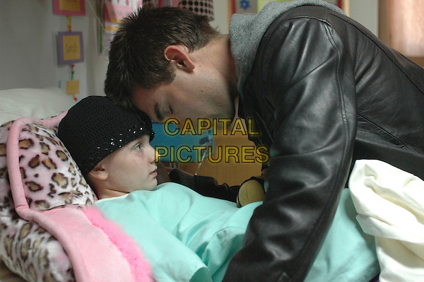 ABIGAIL BRESLIN & DREW FULLER.in The Ultimate Gift .**Editorial Use Only**.CAP/FB.Supplied by Capital Pictures