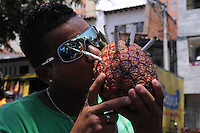 "MEDELLIN- COLOMBIA-04-05-2013. Los amantes del cannabis celebraron el Día Internacional de la Marihuana, o ""Día 420"" en alusión a la cifra que identifica a los consumidores de esta droga, con fiestas, descuentos en dispensarios legales y actos por la legalización./ The Cannabis lover celebrate the Marihuana International Day or ""420 Day"" to mention the number of cannabis consumers, they celebrate with parties, saves in legal dispensary adn legalization acts. Photo: VizzorImage/ Luis Rios"