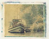 Europe/France/Ile-de-France/78/Yvelines/Conflans-Sainte-Honorine: bateau fluvial sur les berges de l'Oise
