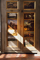 Europe/France/Ile-de-France/77/Seine-et-Marne/Barbizon: Ancienne Auberge du Père Ganne - détail d'un buffet peint - Musée de l'Ecole de Barbizon
