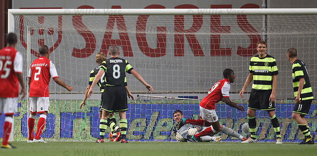 Elderson turns away after beating Zaluska for Braga's second goal