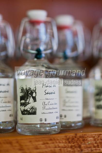 Europe/France/Rhône-Alpes/73/Savoie/Vallée de Belleville/Saint-Martin-de-Belleville: Marc de Savoie chez Serge-Jean Rey, Au Coin des Producteurs, épicerie fine , produits régionnaux