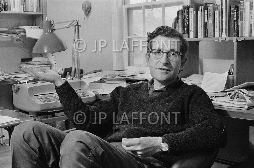 October 1st 1972, Boston, Massachusetts, USA. American writer, educator, and linguist Noam Chomsky, at home in Boston. Also know for his political activism he was an early and outspoken critic of U.S. involvement in the Vietnam War having written At war with Asia. Image by © JP Laffont
