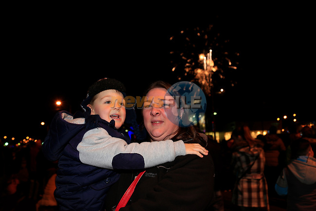 Fiona Clarke and Alex Walsh at the fireworks display<br /> Picture: Fran Caffrey www.newsfile.ie