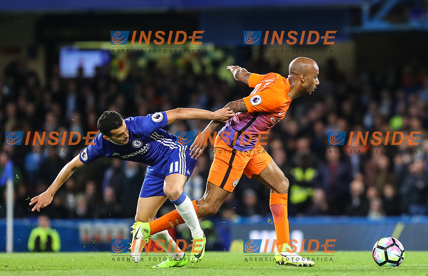 Pedro of Chelsea and Fabian Delph of Manchester City during the Premier League match between Chelsea and Manchester City at Stamford Bridge on April 5th 2017 in London, England.<br /> Foto PHC Images / Panoramic / Insidefoto <br /> ITALY ONLY