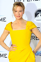 """LOS ANGELES - OCT 12:  Renee Zellweger at the """"Same Kind of Different as Me"""" Los Angeles Premiere at the Village Theater on October 12, 2017 in Westwood, CA"""