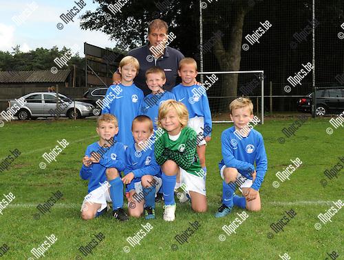 2012-09-15 / Jeugdvoetbal / seizoen 2012-2013 / U8 Zwaneven A / Tino Van Tichelt, Charles verwaest, Toon Bries, Oscar Roosen, Junior Jansen, Dries Bammens en Karel Bastiaensen..Foto: Mpics.be