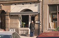 The wine bar Terrenos Vinotek on Kungshomen a couple reading the menue  Stockholm, Sweden, Sverige, Europe