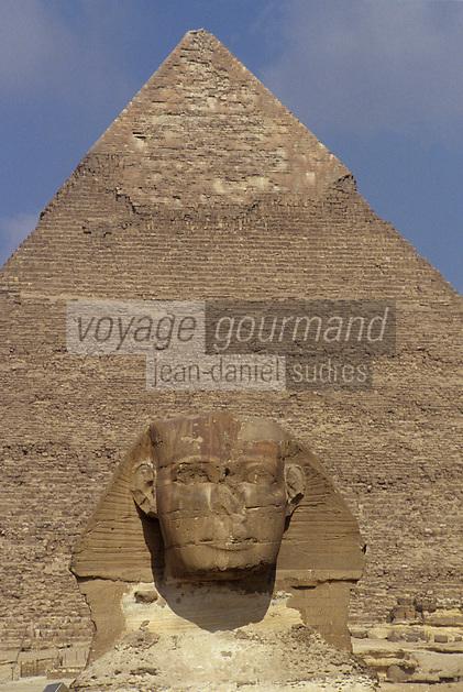 Afrique/Egypte/Env du Caire/Plateau de Giza: Le Sphinx de Giza et la pyramide de Khéphren (ou Chéphren)