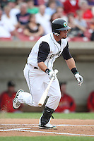 August 5, 2009: Leonardo Gil of the Kane County Cougars. The Cougars are the Midwest League affiliate for the Oakland Athletics. Photo by: Chris Proctor/Four Seam Images