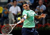 Lo svizzero Roger Federer in azione durante gli Internazionali d'Italia di tennis a Roma, 18 Maggio 2013..Switzerland's Roger Federer in action during the Italian Open Tennis tournament ATP Master 1000 in Rome, 18 May 2013.UPDATE IMAGES PRESS/Isabella Bonotto
