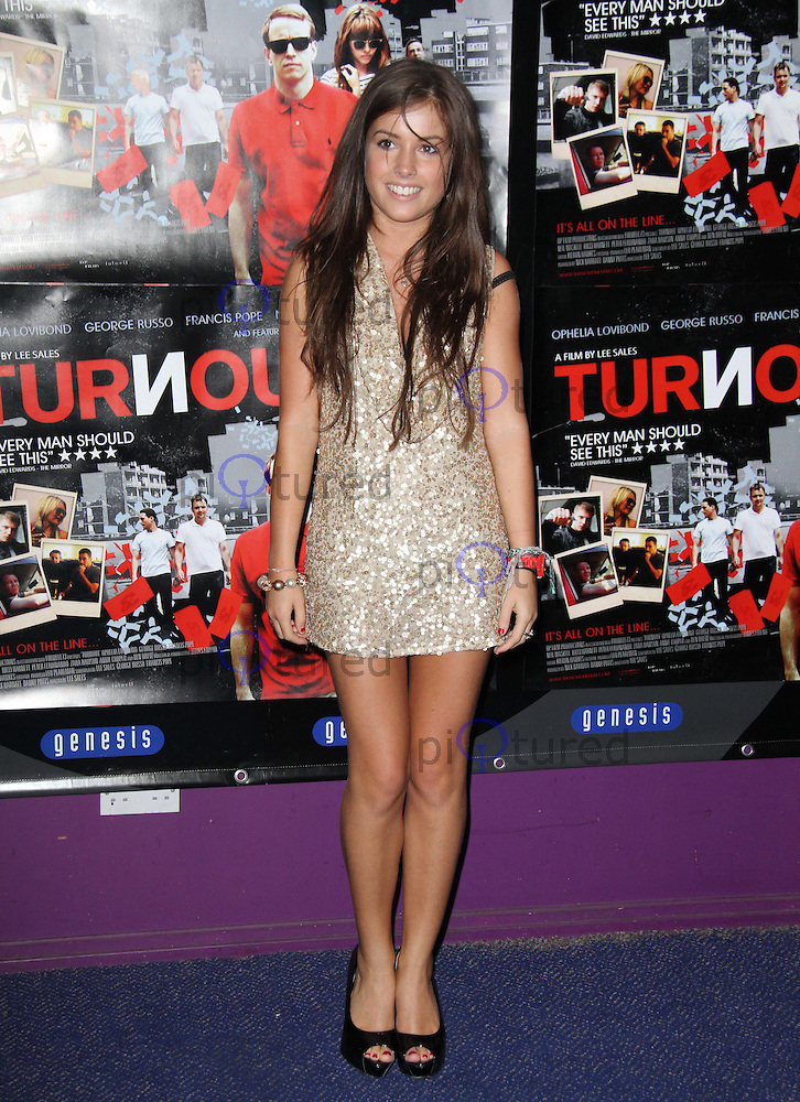 Aimee Kelly Turnout Uk Premiere Celebrity And Red Carpet