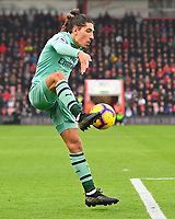 Hector Bellerín of Arsenal shows a good touch during AFC Bournemouth vs Arsenal, Premier League Football at the Vitality Stadium on 25th November 2018