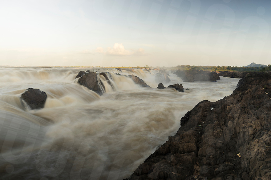 November 4, 2014 - Preah Rumkel, Stung Treng (Cambodia). A view of the Sopheak Mitt waterfall on the border between Laos and Cambodia.