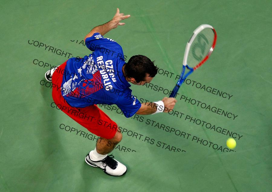 Tenis, Davis Cup 2010.Serbia Vs. Czech Republic, semifinals.Viktor Troicki Vs. Radek Stepanek.Radek Stepanek, returns.Beograd, 17.09.2010..foto: Srdjan Stevanovic/Starsportphoto ©