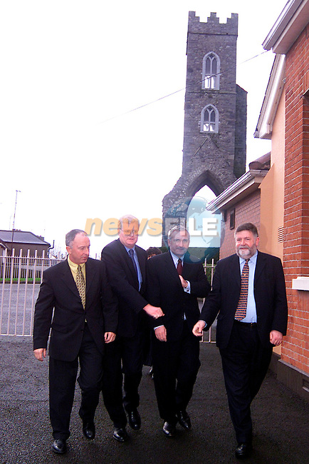 Taoiseach Bertie Ahern making his way into the St. John of God Centre..Picture: Paul Mohan/Newsfile