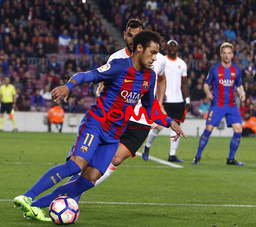 PARTIDO DE LIGA ENTRE EL FC BARCELONA CONTRA EL VALENCIA EN EL CAMP NOU