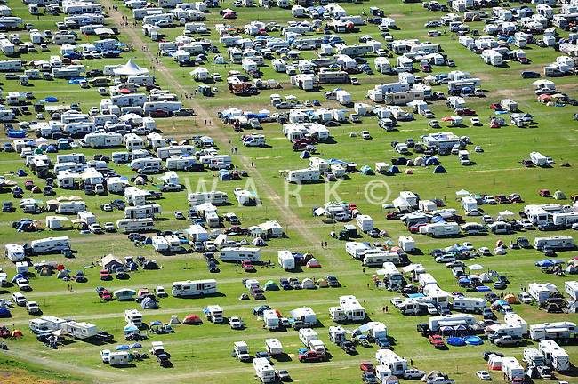 camping for country music concert