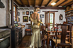 Home and Life mag. My Place Anya Anastasia,Cabaret performer, songwriter, playright and producer at her childhood home at Longwood. Photo : Nick Clayton.