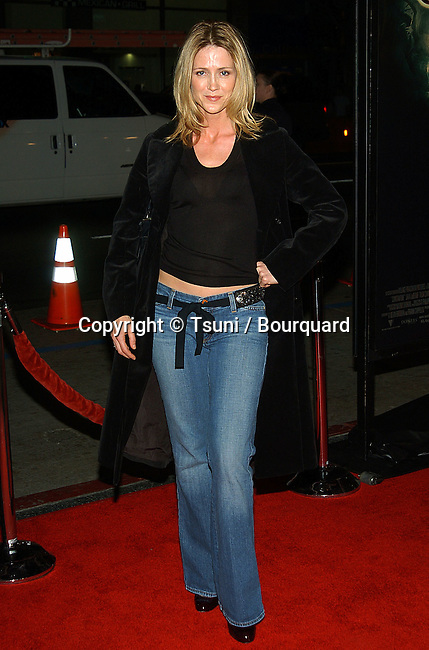 Kelly Rowan arriving at the Constantine Premiere at the Chinese Theatre in Los Angeles. February 16, 2005.