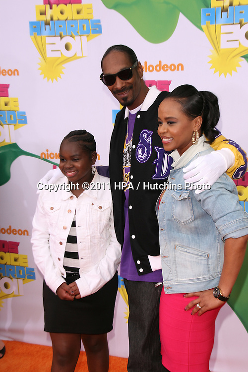 LOS ANGELES - APR 2:  Snoop Dogg arriving at the 2011 Kids Choice Awards at Galen Center, USC on April 2, 2011 in Los Angeles, CA