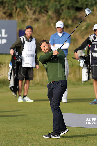 03.10.2015. Kingsbarns, Scotland. Alfred Dunhill Links Golf.<br /> Jamie Dornan of Northern Ireland hits his opening tee shot