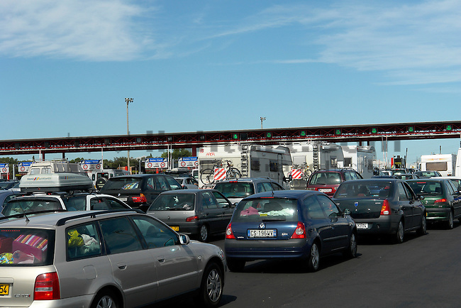 Traffic-Jam on highway A7, E15 at toll-station near, Orange, Vaucluse, Provence, France. Stau auf der Autobahn bei Mautstation, Mautstelle.