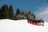 Oesterreich, Salzburger Land, Saalbach-Hinterglemm: beliebtes Skigebiet bei Zell am See, Skigondel | Austria, Salzburger Land, Saalbach-Hinterglemm: popular ski resort near Zell am See, ski lift