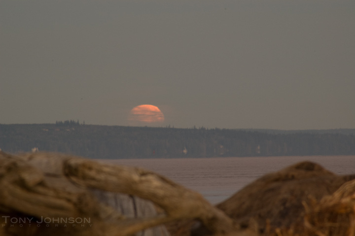 Moonset over Admiralty Inlet from Point no Point