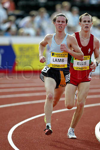 July 30 2004: British runner CHRIS LAMB (GBR) running in the men's 3000m under 20's at the Norwich Union London Grand Prix at Crystal Palace. Photo: Neil Tingle/Action Plus...athlete 040730 track and field
